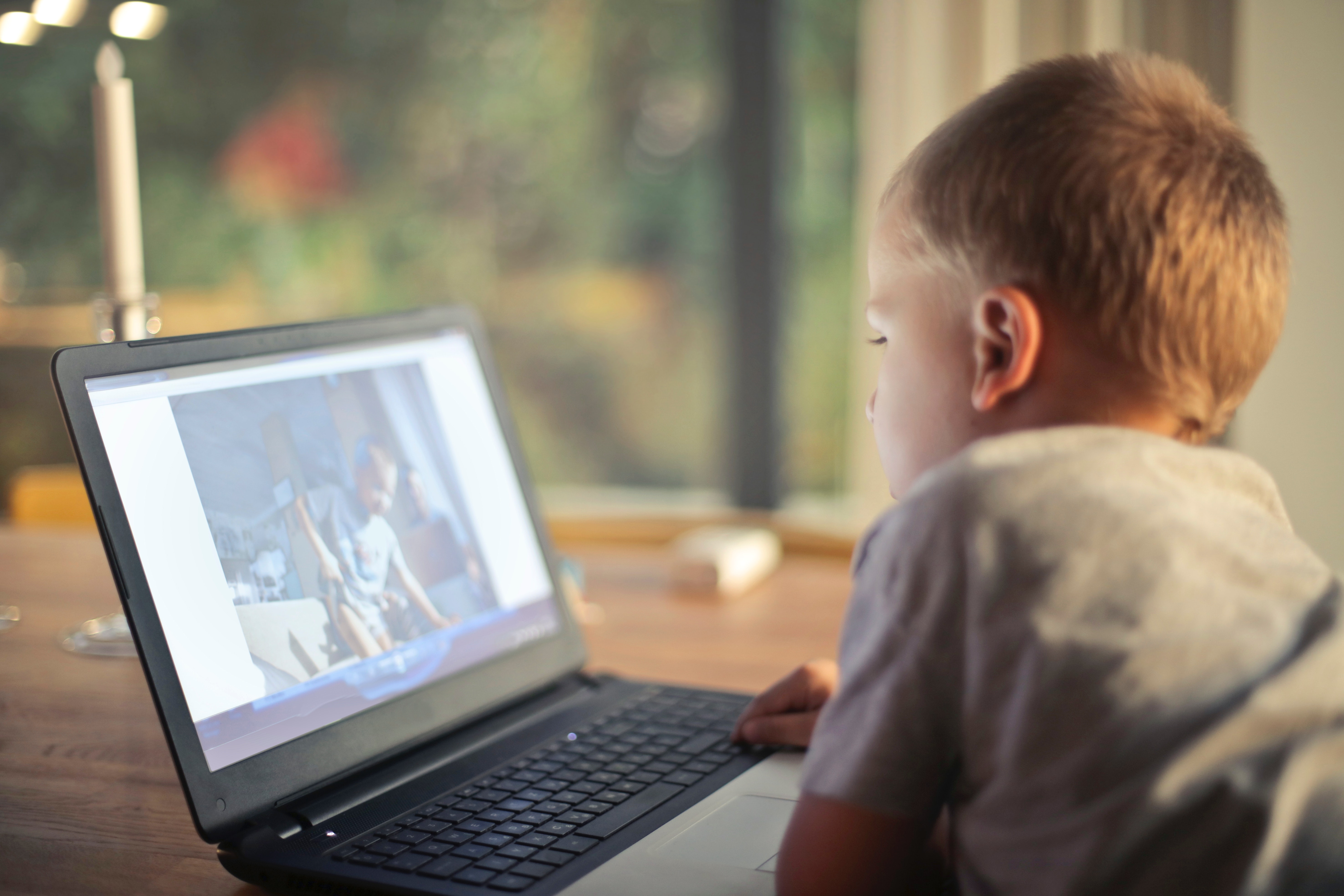 World-first study of kids in the digital age